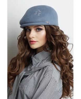 Женская кепка из велюра с трансфером и лейблом