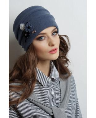 Женская шапочка из войлока с внутренними защипами