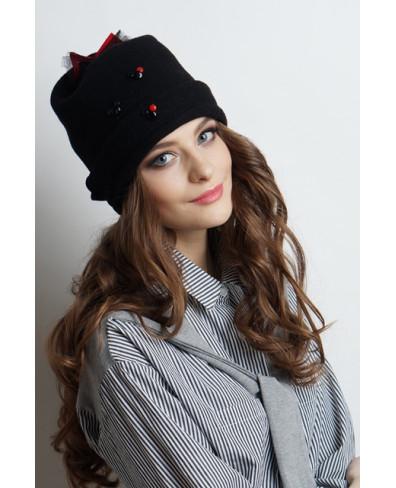 Женская шапочка из войлока с отворотом и миккимаусами