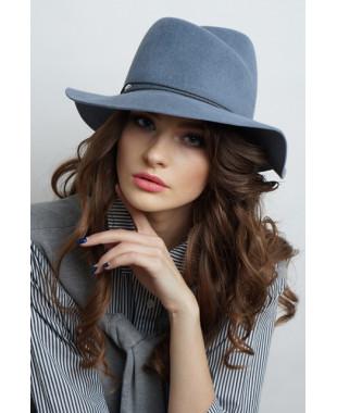 Женская шляпка из велюра с замином и большими полями