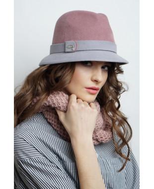 Женская шляпка из велюра двухцветная