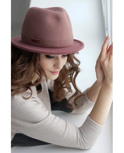 Женская шляпка из фетра с трикотажным полем
