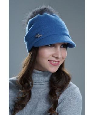 Женская кепка на подкладе с меховым помпоном