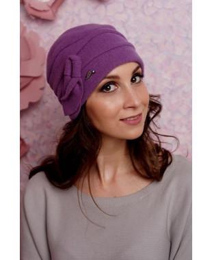 Женская шапочка с буфами и бантиком с петелькой