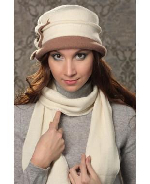 Женская шляпка с двухцветным полем