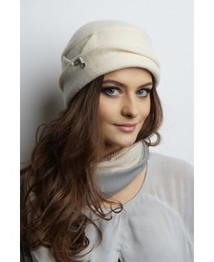 Женская шапочка из войлока двойная со складкой и лейблом