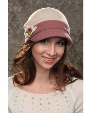 Женская кепка мягкой формы с цветным отворотом