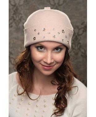 Женская шапочка со стразами по отвороту