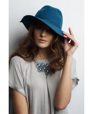 Женская шляпка из фетра с мягкими полями