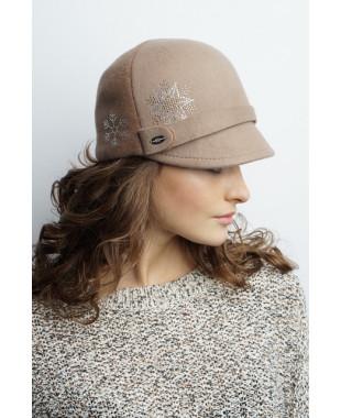 Женская кепка комбинированная со снежинками