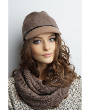 Женская кепка из формованного трикотажа в стиле милитари