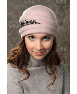 Женская шапочка с кружевом