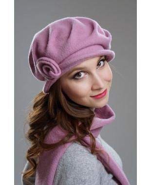 Женская шляпка с защипами на основе берета