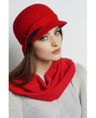 Шляпа из фетра с полем-козырьком