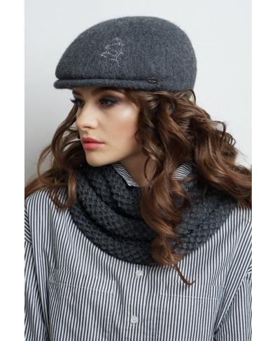 Женская кепка из формованного трикотажа с трансфером