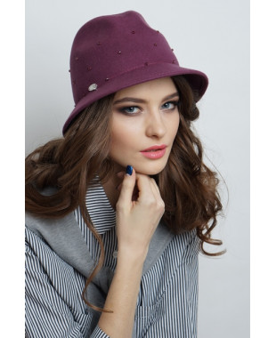 Женская шляпка федора из фетра с бусинами по тулье