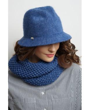 Женская шляпка из формованного трикотажа с лейблом