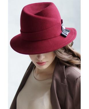 Шляпа из фетра с замином по тулье и кожаным бантом
