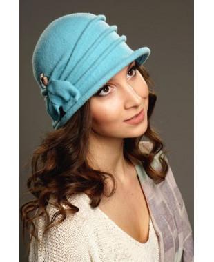 Женская шляпка с бантом и кристаллами