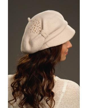 Женская кепка на основе берета