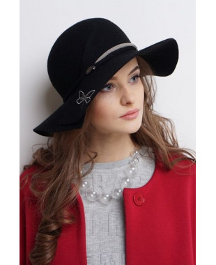 Женская шляпка из фетра со стрекозой