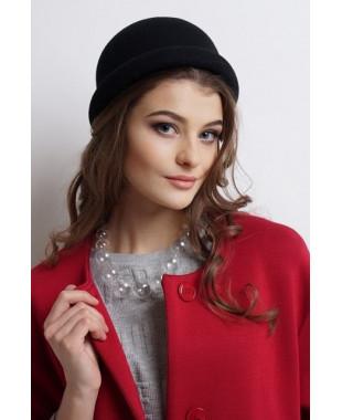 Женская шляпка из фетра-котелок