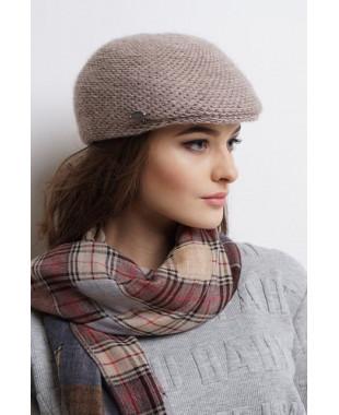 Женская кепка из формованного трикотажа