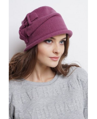 Женская шляпка из войлока с овальным дном