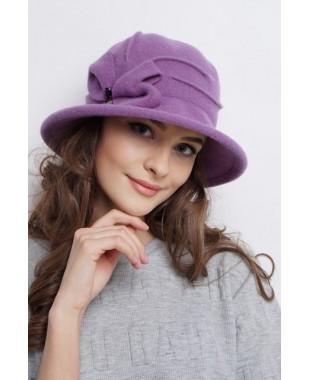 Женская шляпка из войлока с бантом