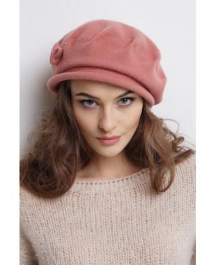 Женская шляпка из войлокана основе берета с защипами