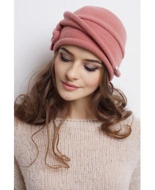 Женская шапочка из войлока с отлетной деталью