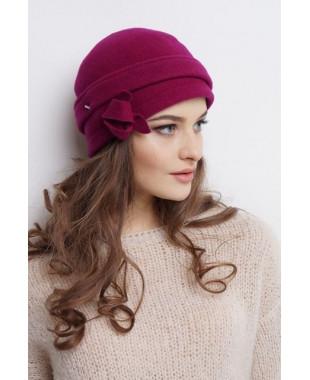 Женская шапочка-трансформер из войлока с брошкой