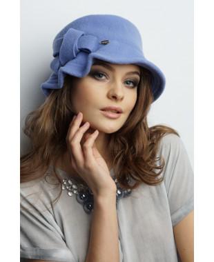 Женская шляпка с узлом