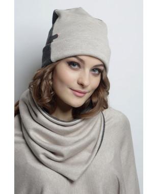 Трикотажная шапочка с отворотом двухцветная