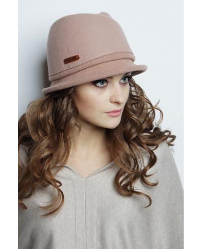 Шляпа из фетра с замином, трикотажным полем и лейблом
