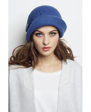Шляпа из фетра с асимметричным полем и бусинами