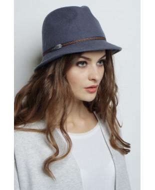 Шляпа-федора из фетра с кожаным лейблом