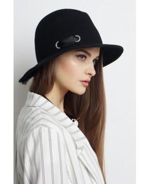 Шляпа-федора из фетра с бахромой и люверсами со стразами