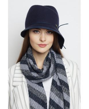 Шляпа из фетра с замином и асимметричным полем
