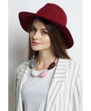 Шляпа-федора из фетра с мягким полем и наклейкой